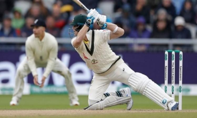 सचिन तेंदुलकर ने कह दी सबसे बड़ी बात, बताया इस कारण स्टीव स्मिथ हैं दूसरे बल्लेबाजों से अलग ! Images