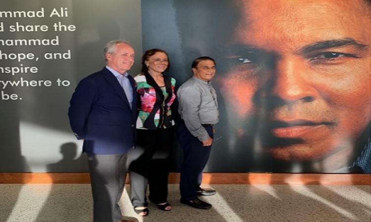 Gavaskar meets Md. Ali's wife, discuss cricket museum in Kentucky Images