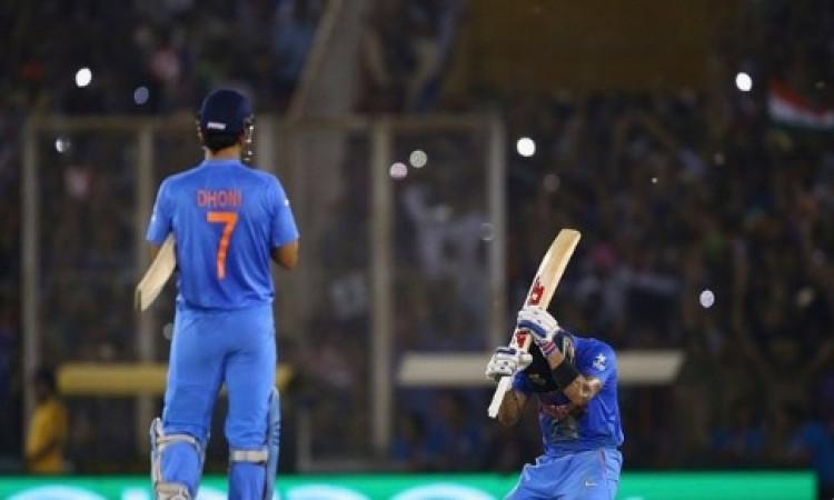 अचानक से कोहली को याद आए धोनी, याद दिलाई 2016 वर्ल्ड टी-20 के मैच की एक दिलचस्प घटना ! Images