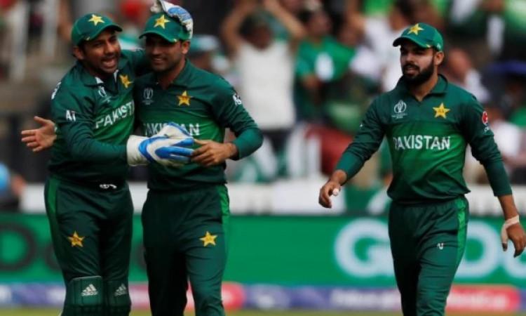 Pakistan vs Sri Lanka: पहला वनडे मैच, जानिए कब, कहां और कितने बजे से होगा लाइव टेलीकास्ट, पूरी टीम !