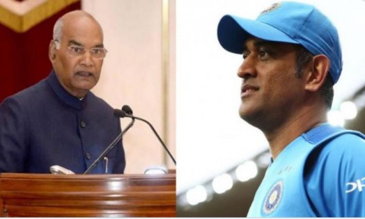 धोनी रांची में राष्ट्रपति रामनाथ कोविंद से मिले Images