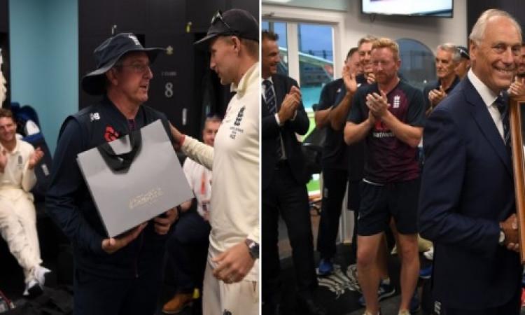 VIDEO इंग्लैंड कोच ट्रेवर बेलिस का कार्यकाल समाप्त, ड्रेसिंग रूम में खिलाड़ियों से बात करते हुए इमोश