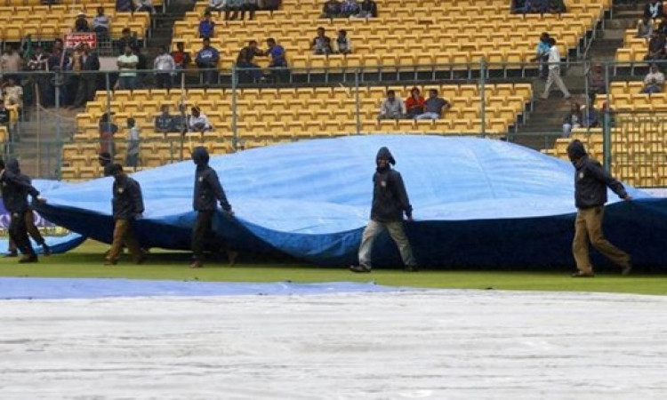 विजय हजारे ट्रॉफी: मैदान गीला होने के कारण इन टीमों के मैच हुए रद्द  Images