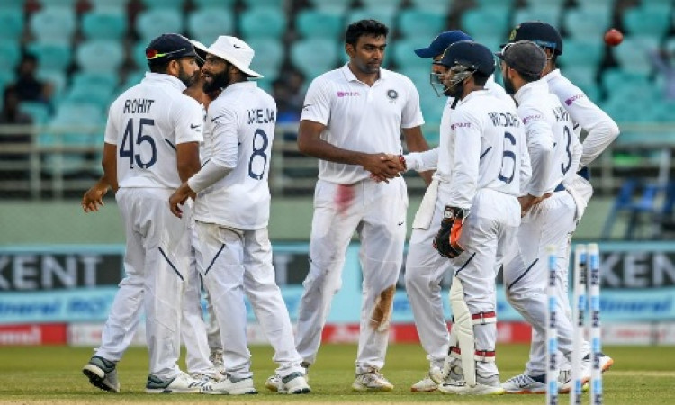 Ashwin 1 wicket away from equalling Muralitharan's Test record Images