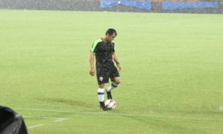 Dhoni, Paes play charity football match in Mumbai Images
