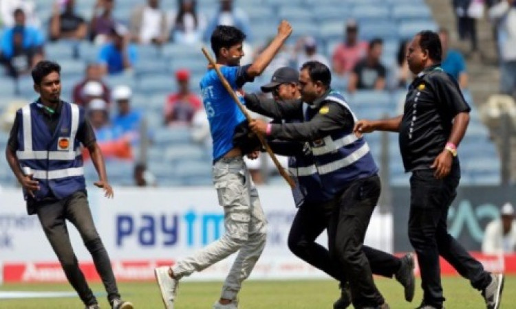 Pune Test: Gavaskar angry as fan breaches security cordon Images