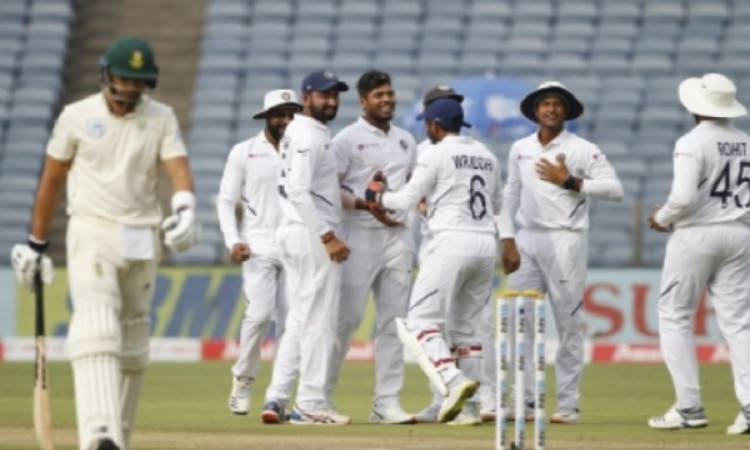 Bowlers tighten India's grip over SA in Pune Test (Lunch) Images