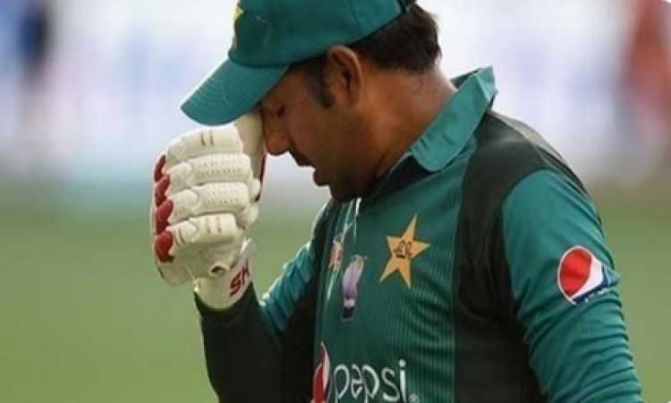 पाकिस्तान क्रिकेट बोर्ड ने लिया फैसला, सरफराज अहमद से छीनी तीनों फॉर्मेट की कप्तानीImages