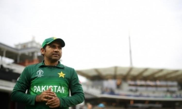पाकिस्तान क्रिकेट में होगा बदलाव, टेस्ट में सरफराज अहमद की जगह इसे बनाया जा सकता है कप्तान Images