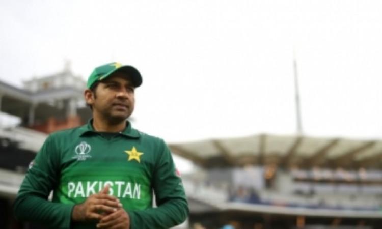 PCB Chairman wants Sarfaraz to leave Test captaincy: Report Images