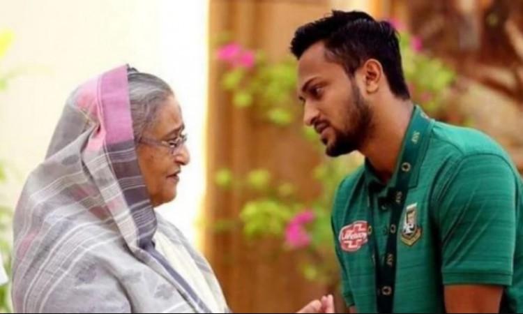 Shakib Al Hasan with PM Sheikh Hasina