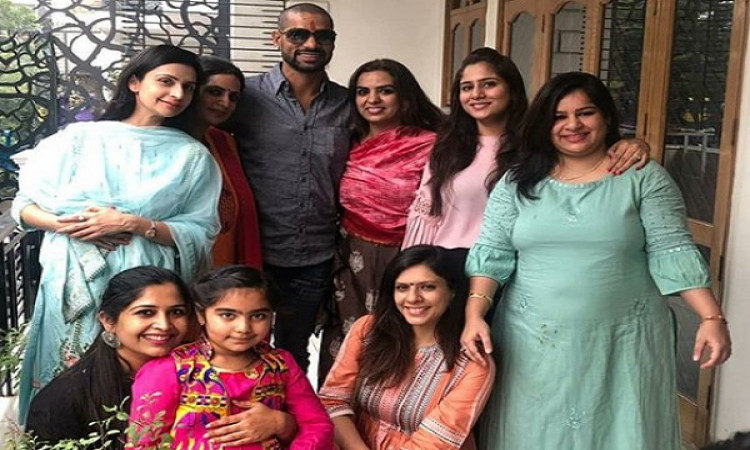 Dhawan celebrates Bhai Dooj with family members Images