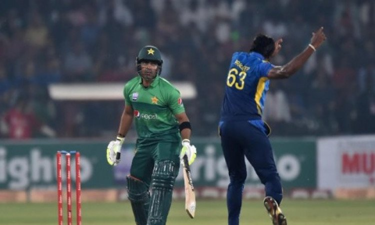 Umar Akmal equals unwanted record of most ducks in T20Is Images