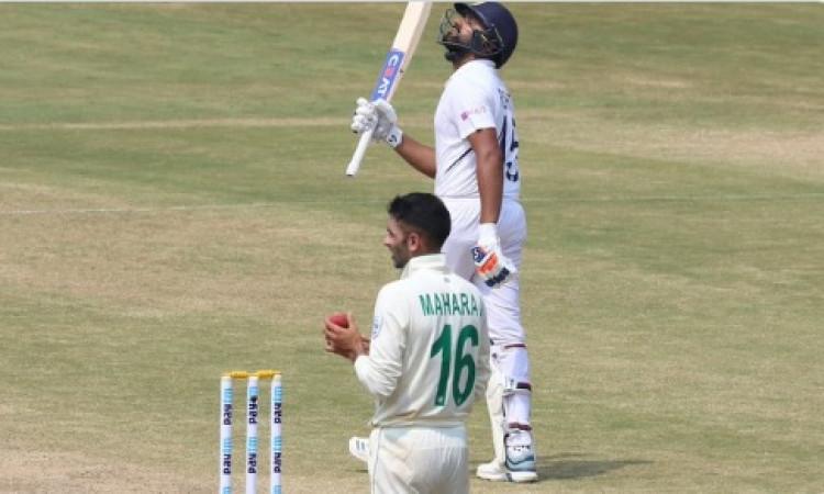 एक टेस्ट में सबसे ज्यादा छक्कों का रिकार्ड रोहित ने बनाया, तोड़ दिया इस दिग्गज का रिकॉर्ड Images