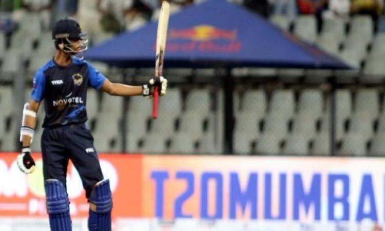 मुंबई के युवा बल्लेबाज यशसवी जैसवाल ने रचा इतिहास, विजय हजारे ट्रॉफी में दोहरा शतक जमाकर बनाए रिकॉर्