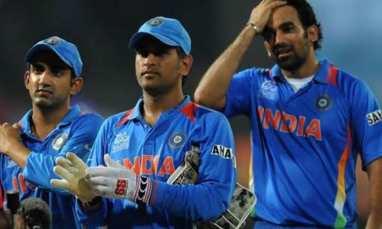ऐतिहासिक डे- नाइट टेस्ट मैच को देखने ईडन गॉर्डन नहीं आएंगे भारत के ये दिग्गज ! Images