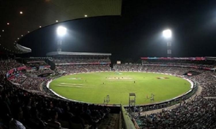 डे- नाइट टेस्ट 3 दिन में ही खत्म, अब चौथे-पांचवें दिन के टिकटों के पैसे वापस करेगा सीएबी ! Images