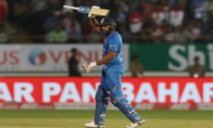 दूसरे टी-20 में रोहित की तूफानी पारी देखकर गदगद हुए पूर्व विस्फोटक बल्लेबाज सहवाग, कही ऐसी बात ! Ima
