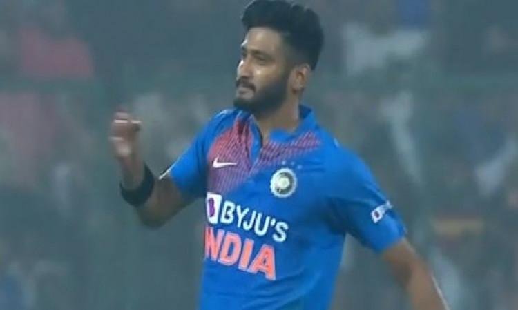 दूसरे टी-20 में भी खलील अहमद की खराब गेंदबाजी, तीसरे टी-20 में होगा बदलाव, इस गेंदबाज को मिलेगी जगह