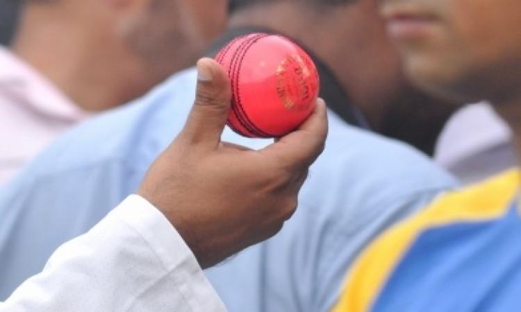 रिवर्स स्विंग के लिए हाथ से हुई है पिंक बॉल की सिलाई', जानिए कैसी है ! Images
