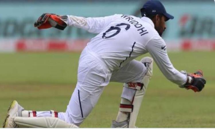 पिंक बॉल के सामने विकेटकीपिंग करना काफी चुनौतीपू्र्ण होगा, रिद्धिमान साहा का आया बयान Images