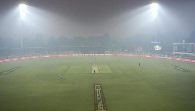 आस्ट्रेलिया के जंगलों में लगी आग के कारण बिग बैश लीग के मैच को रद्द करना पड़ा ! Images