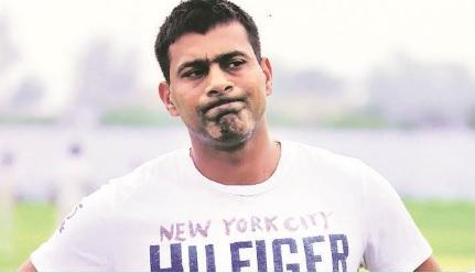 पूर्व क्रिकेटर प्रवीन कुमार की हुई लड़ाई, पड़ोसी को पीटने का लगा आरोप Images