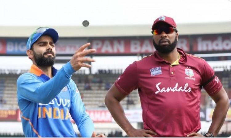 दूसरे वनडे में इस कारण प्लेइंग XI में शार्दुल ठाकुर को किया शामिल, कोहली ने बताई रणनीति ! Images