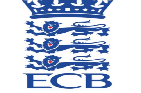 इंग्लैंड महिला टीम के इस स्पिनर नेइंटरनेशनलक्रिकेट से संन्यास की घोषणा की !