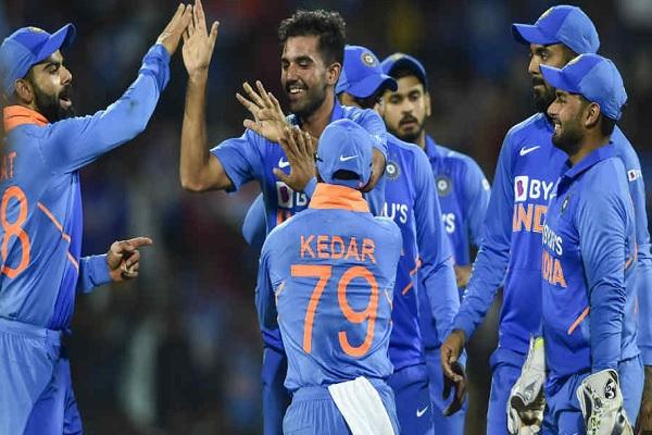 दूसरे वनडे में भारत की प्लेइंग XI में दो बदलाव संभव, मनीष पांडे को मिल सकता है मौका ! Images