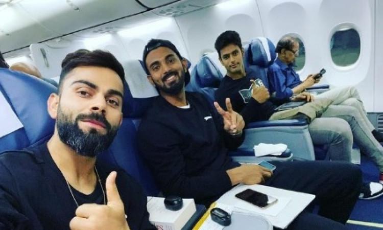 वेस्टइंडीज के खिलाफ सीरीज के लिए हैदराबाद पहुंचे कोहली, फ्लाइट में केएल राहुल और शिवम दुबे के साथ ली