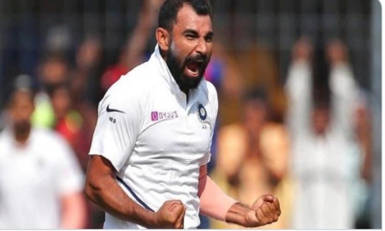 आईसीसी टेस्ट रैंकिंग: शमी टॉप-10 में शामिल, नंबर वन पर यह गेंदबाज ! Images