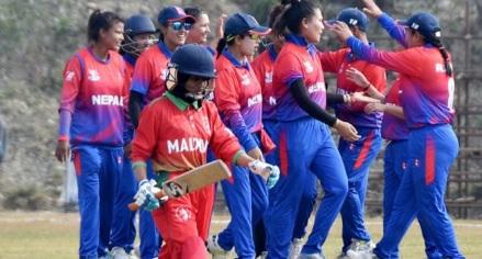 नेपाल महिला टीम ने फिर किया कमाल, विरोधी टीम को 8 रन पर किया आउट, 10 खिलाड़ी 0 पर आउट Images