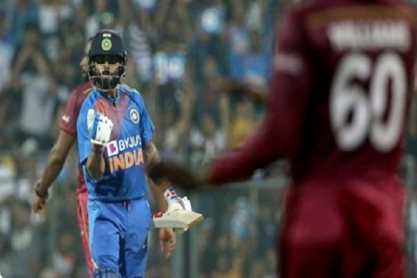 भारत बनाम वेस्टइंडीज, दूसरा वनडे: भारतीय टीम में एक बदलाव, जानिए प्लेइंग XI की पूरी लिस्ट ! Images