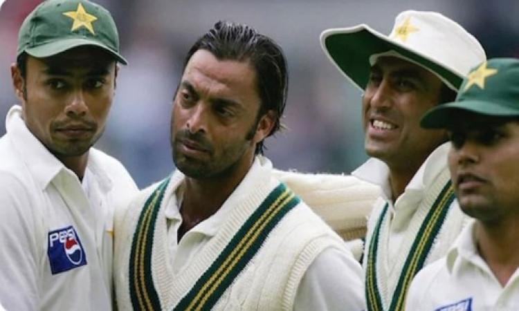 पाकिस्तान पूर्व क्रिकेटर बासित ने अख्तर को दी सलाह, कनेरिया के साथ भेदभाव करने वालों के नाम का करें