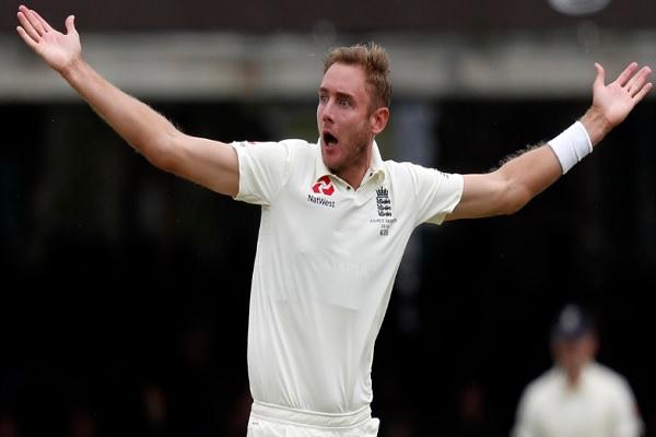 चौथे टेस्ट मैच के दौरान फाफ डु प्लेसी के साथ बहस करने पर स्टुअर्ट बॉर्ड पर लगा जुर्माना ! Images