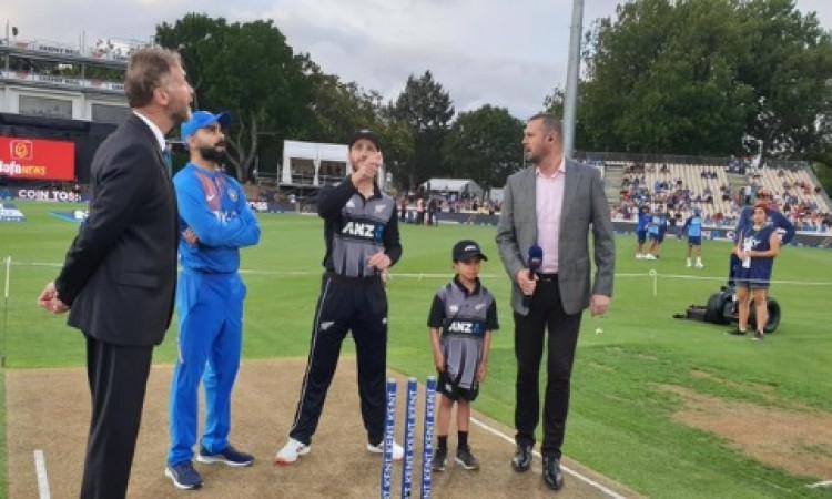 तीसरे टी-20 में न्यूजीलैंड ने टॉस जीतकर पहले फील्डिंग करने का फैसला किया, भारत की पहले बल्लेबाजी ! I