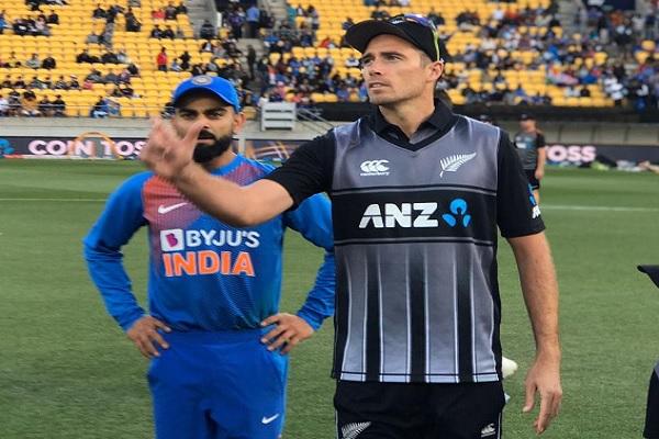 चौथे टी-20 में भारत के खिलाफ न्यूजीलैंड ने जीता टॉस, पहले फील्डिंग करने का फैसला ! Images