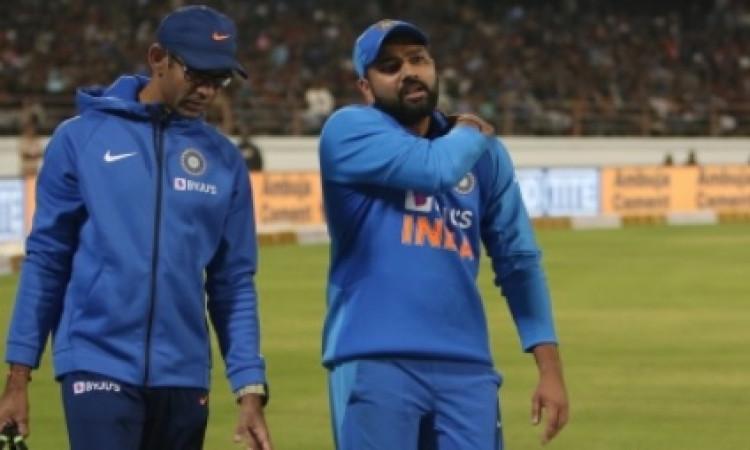 रोहित शर्मा के चोट को लेकर कप्तान कोहली ने दी यह अपडेट, जानिए तीसरा वनडे खेलेंगे या नहीं ! Images