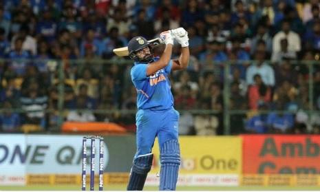 रोहित शर्मा का धमाकेदार अर्धशतक, बतौर ओपनर इंटरनेशनल क्रिकेट में 10000 रन किए पूरे ! Images