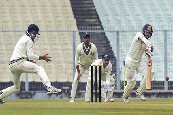 रणजी ट्रॉफी : गुजरात ने विदर्भ को 4 विकेट से हराया, पार्थिव पटेल ने खेली 41 रनों की पारी  Images