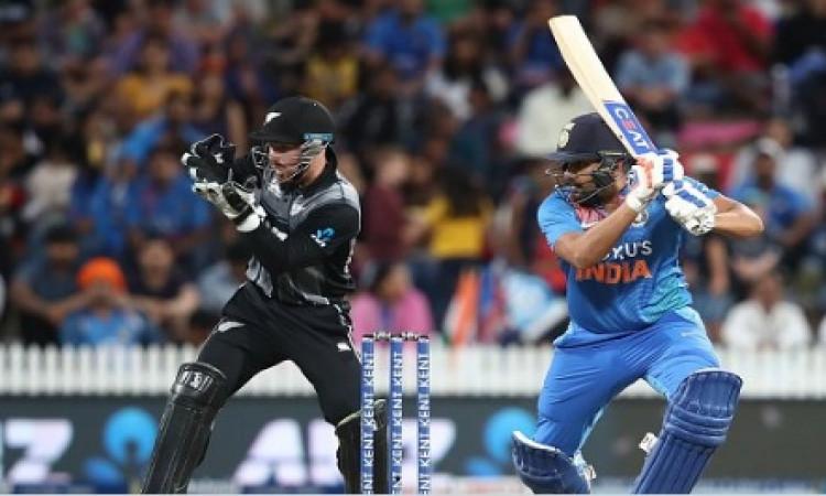 रोहित शर्मा की तूफानी पारी, केवल 40 गेंद पर बनाए इतने सारे रन ! Images