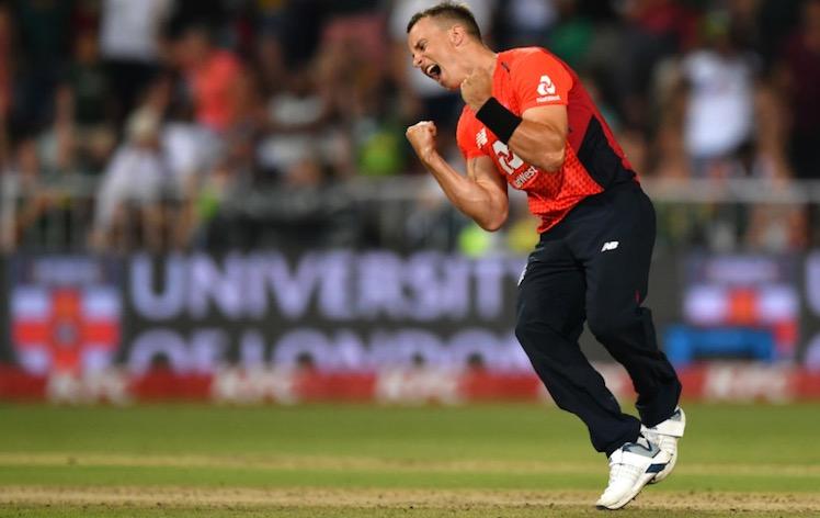 इंग्लैंड ने साउथ अफ्रीका को दुसरे टी-20 में 2 रन से हराया Images