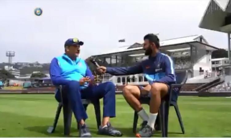 अपने डेब्यू टेस्ट मैच को याद कर टीम इंडिया के कोच शास्त्री हुए इमोशनल, कही ऐसी बातें ! Images
