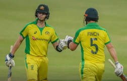 australia set 197 runs target for south africa in first t20i