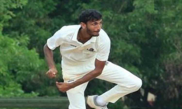 रणजी ट्रॉफी : बंगाल को 186 रन की बढ़त, इस गेंदबाज ने चटकाए पूरे 7 विकेट ! Images