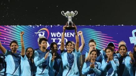 महिला टी-20 चैलेंज-2020 के शेड्यूल का ऐलान, 4 टीमें होंगी शामिल, यहां खेला जााएंगे मैच ! Images