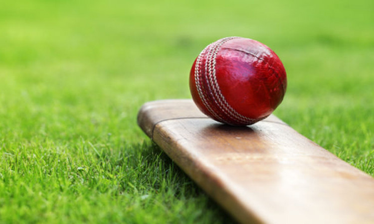 How to swing a cricket ball when you can't use saliva? Images