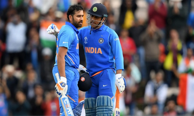DHONI AND ROHIT SHARMA