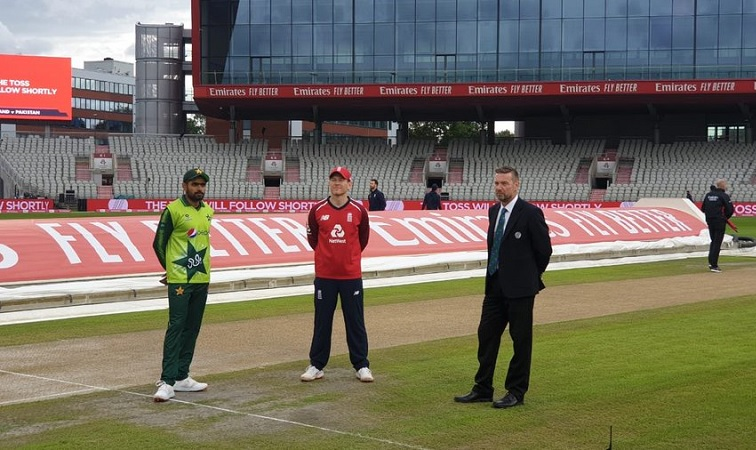 pakistan opt to bowl first against england in first t20i